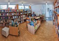 Schlange stehen für eine gute Lektüre - Gemeindebücherei wieder geöffnet.