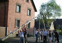 Maibaumaufstellen in Lülsfeld